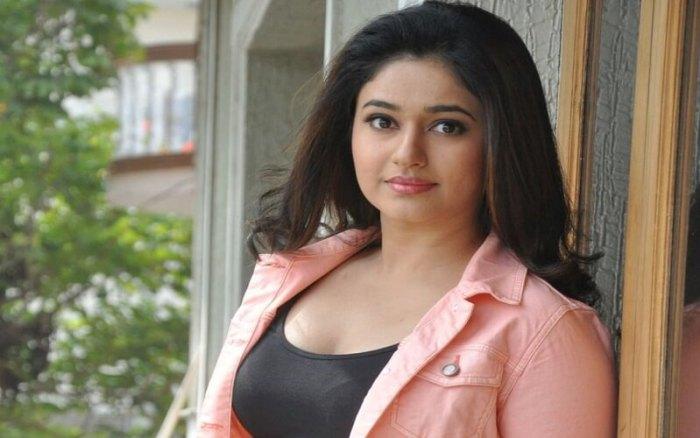 Poonam Bajwa Images