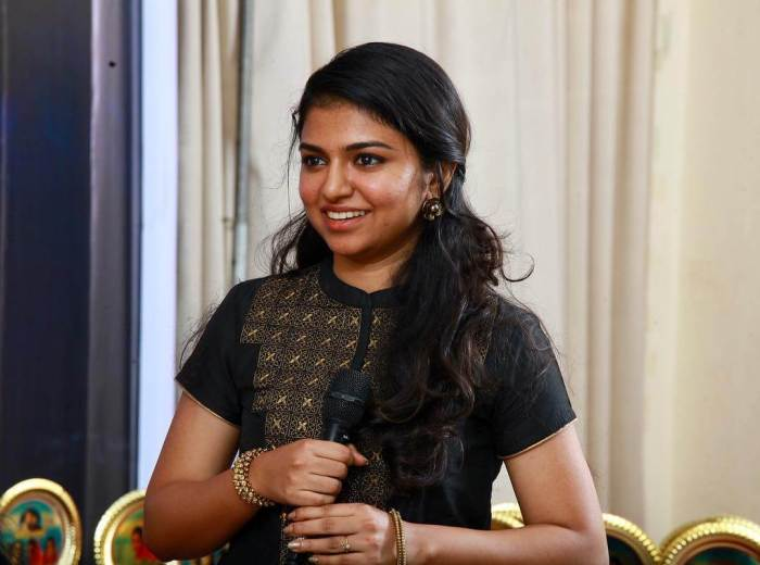 Raveena Ravi Images