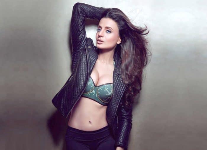 Ameesha Patel Hot wallpapers