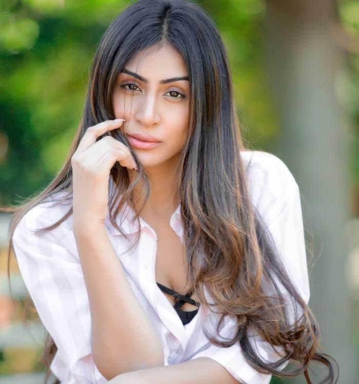 Myra Sareen Wiki