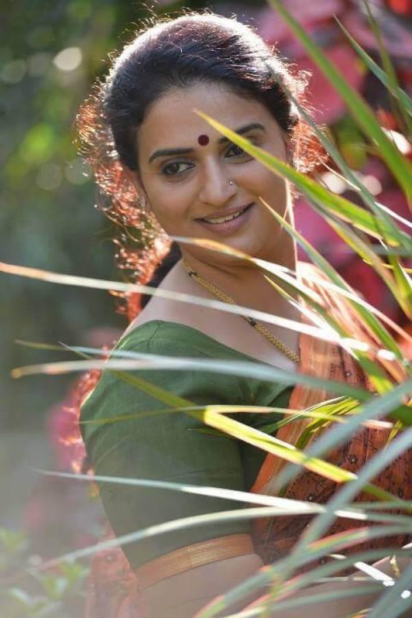 Pavitra Lokesh Images