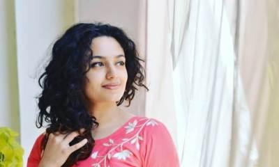 Malavika Nair Images