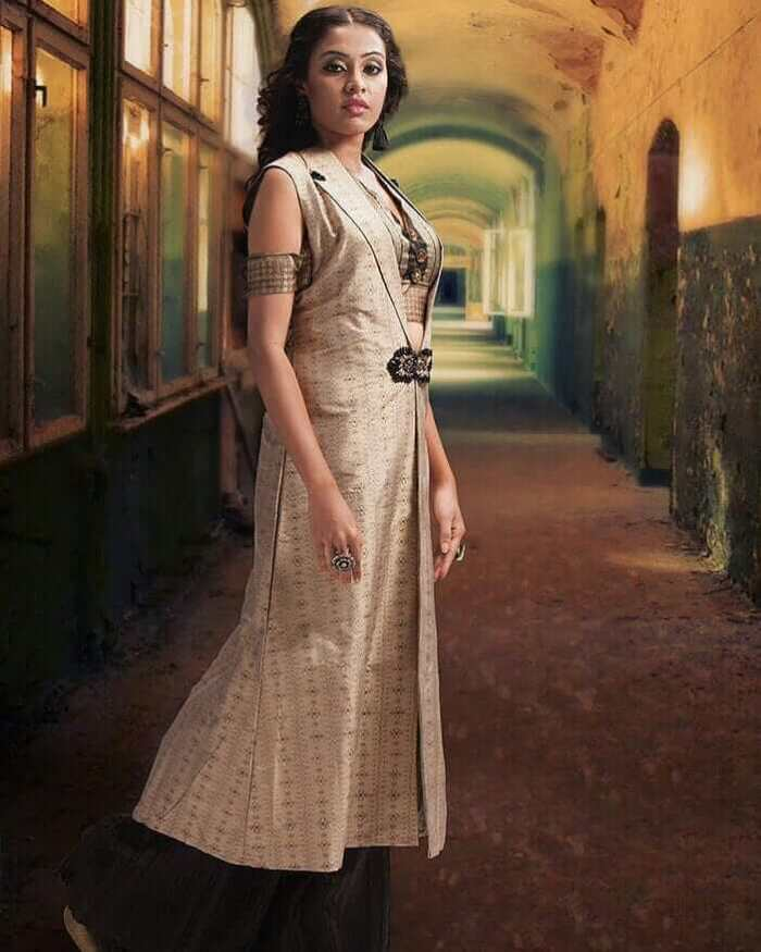 Ashwini Chandrashekar Images