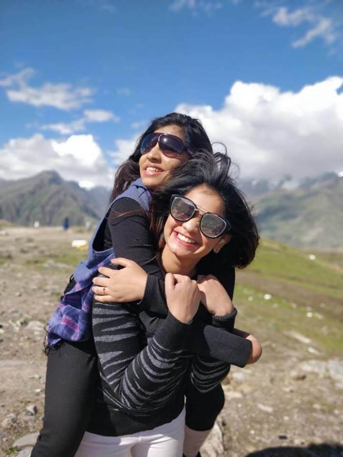 Komali Sisters Heroshini Komali and Devashree Komali