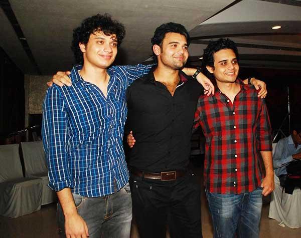 Namashi Chakraborty With His Brothers Ushmey Chakraborty and Mahaakshay Chakraborty