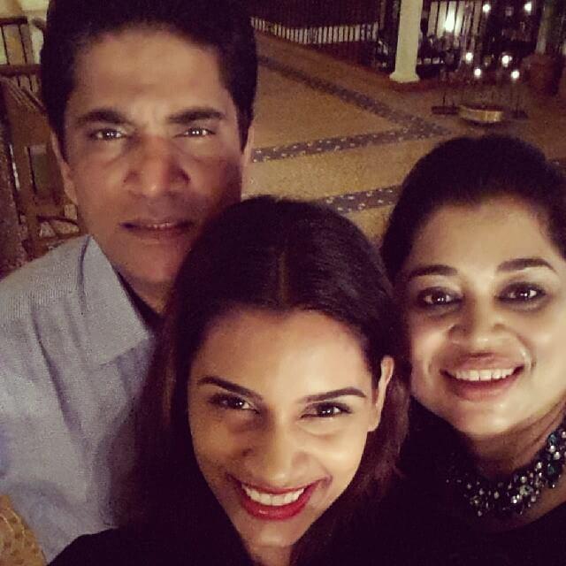 Sanjana Ganesan Parents