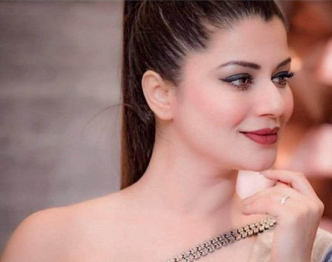 Kainaat Arora Wiki, Biography, Age, Movies, Family, Images & More - News Bugz
