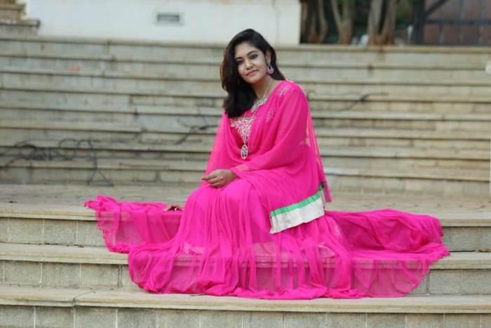 Shruthi Shanmugapriya Images