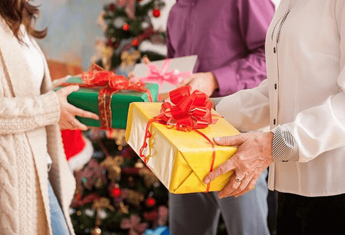 buying gifts on budget