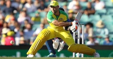 Maxwell delights in quickfire cameo at the SCG | Dettol ODI Series 2020