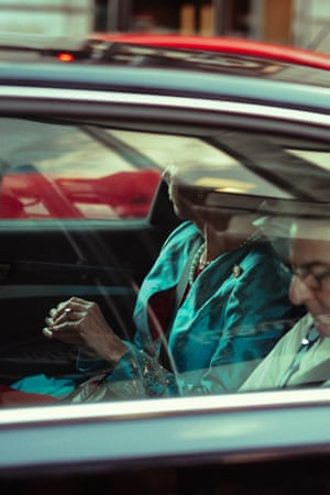 Woman and a man in a car at Green Park.