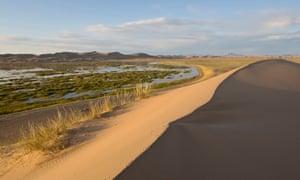 Ereen Lake, Great Mongol Sand Dunes.