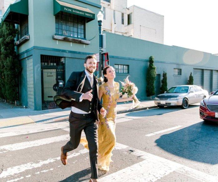 LOW RES Raccoons photobomb wedding photos