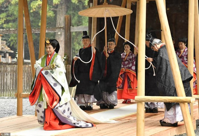 Tomorrow the pair will visit the shrine of the sun goddess, Amaterasu, an inner shrine