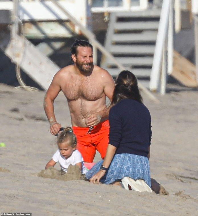 Reunited! Former Alias co-starsJennifer Garner enjoys beach playdate with Bradley Cooper and his daughter Lea in Malibu... as it's revealed she's split from boyfriend John Miller