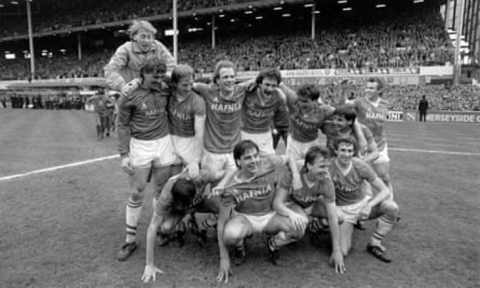 Everton celebrate winning the league in 1985.
