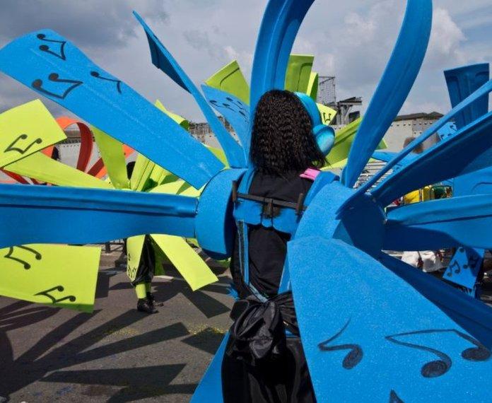 Julio Etchart - Carnival