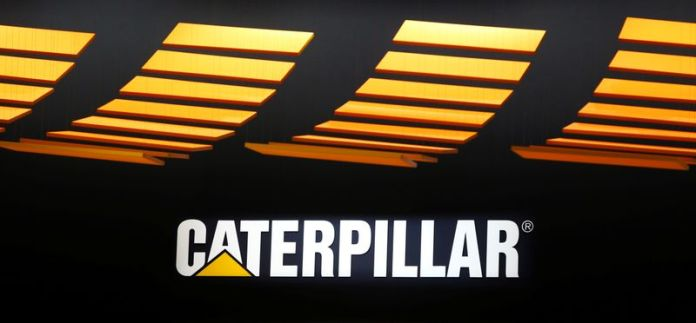 © Reuters. Caterpillar logo is pictured at the 'Bauma' Trade Fair in Munich