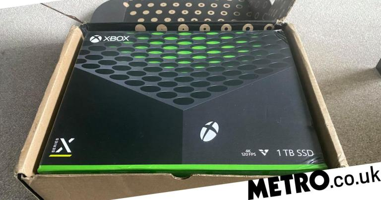 Xbox Series X unboxing – a new generation with one foot in the past