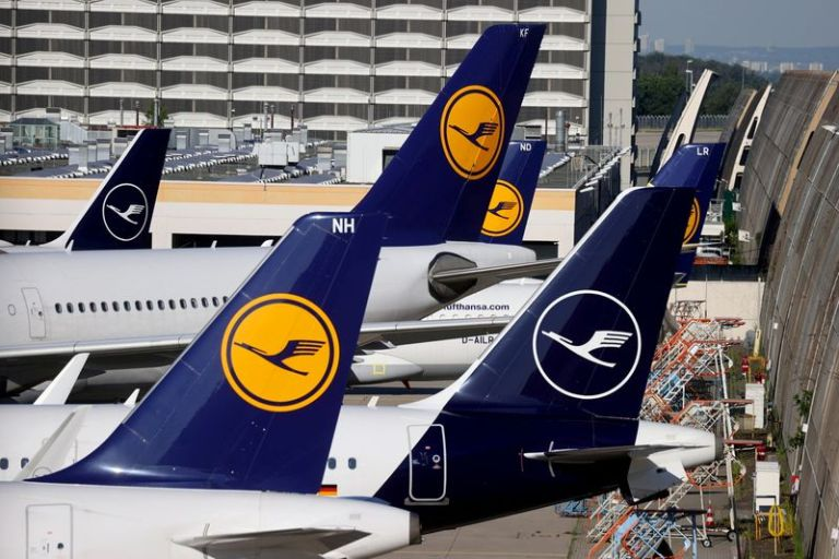 Lufthansa warns of further restructuring costs in fourth-quarter