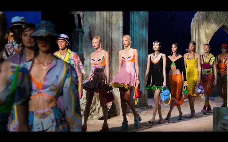 Video: Versace presents its SS20 collection