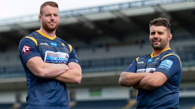 Worcester bolster forward options with double signing