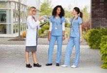What Type of Shoes Do Healthcare Professionals Wear