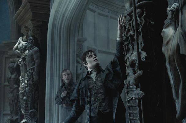 Johnny Depp e Jackie Earle Haley - The Dark Shadows