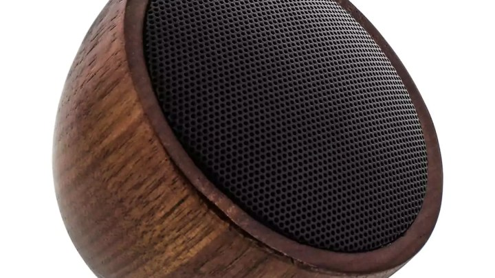 InLine Woodwoom – Mini-Bluetoothlautsprecher aus Walnussholz 