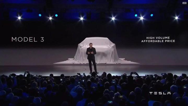 Tesla erweitert auf 100kWh Akkus mit 600 Kilometer Reichweite