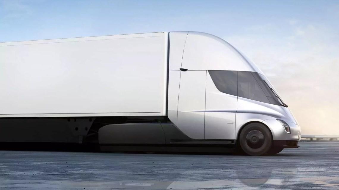Tesla Truck: 630 Kilometer Reichweite in 30 Minuten