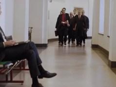 """Jan Böhmermann im Musikvideo """"Recht kommt"""""""