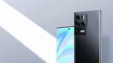 ZTE Axon 30 Ultra è disponibile in Italia, prezzo e dettagli