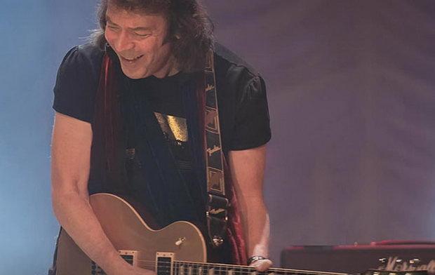 И в заключении Steve Hackett, легендарный гитарист Genesis,