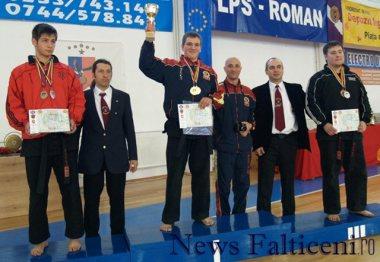 Falticeni-Mures Cosmin trening rosu si antrenorul Maxim la Festivitatea de premiere Cam Nationale