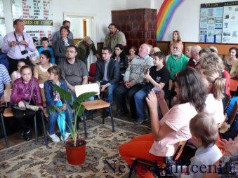 Falticeni-public lansare carte