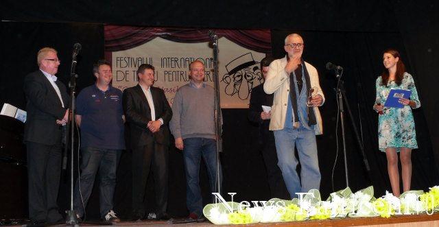 Falticeni-Gheorghe Balint primeste trofeul festivalului