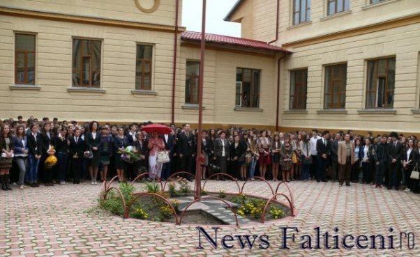 Falticeni-Inceput an scolar 11
