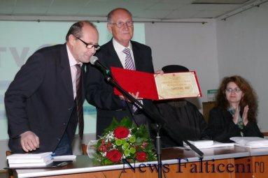 Falticeni-Grigore Ilisei si diploma Meritul Falticenean