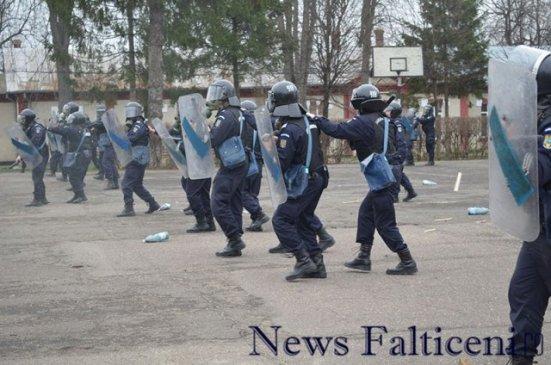 Falticeni-carabinieri Moldova 7