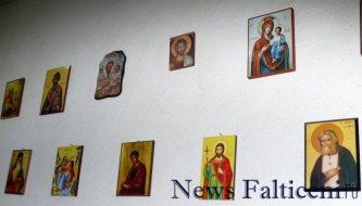 Falticeni-expozitie de icoane bisericesti 2