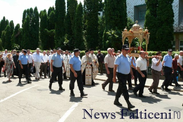 Falticeni-procesiune 4