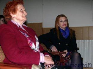 Falticeni-prof. Mioara Gafencu si director Mihaela Barbacut
