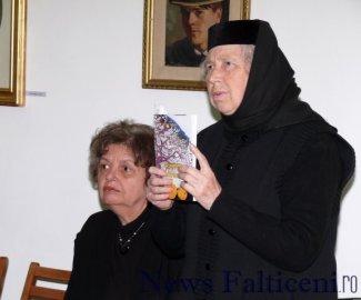Falticeni-Monahia Elena Simionovici si Doina Cernica