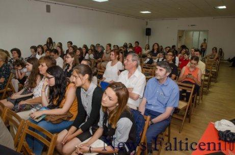 Falticeni -Spectatori recitare Eminescu 5