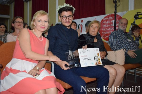 News Falticeni -Poezie 25 ani Marele Premiu Marin Lupanciuc cu Radmila Popovici Ileana Popovici Vlad Radescu