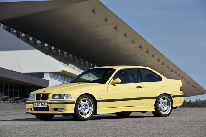 P90149360_highRes_bmw-m3-coupe-e36-05-