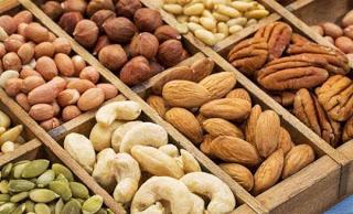 Cashews nut almond peanut