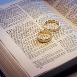 Εκκλησία: Αφού παντρεύτηκες ζήσε ως παντρεμένος