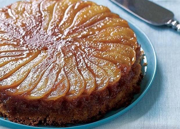 Γλυκό της Ημέρας: Ανάποδη νηστίσιμη μηλόπιτα χωρίς βούτυρο, αυγά και ζάχαρη !